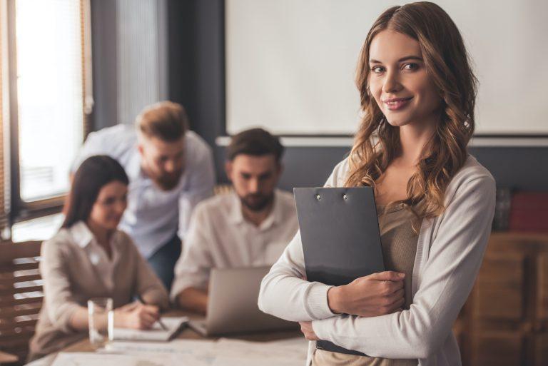 Ako vieme cielene rozvíjať angličtinu zamestnancov a zároveň ich pripraviť na reálne biznis situácie?